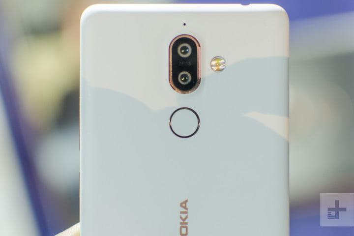 Nokia 7 Plus Hands-On | Close up of the back of the phone