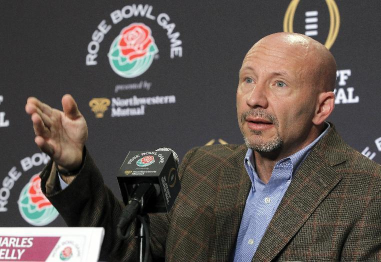 Florida State defensive coordinator Charles Kelly talks to reporters at a news conference in Los Angeles, Tuesday, Dec. 30, 2014. Florida State is scheduled to play Oregon in the Rose Bowl NCAA college football playoff semifinal on New Year's Day. (AP Photo/Nick Ut)
