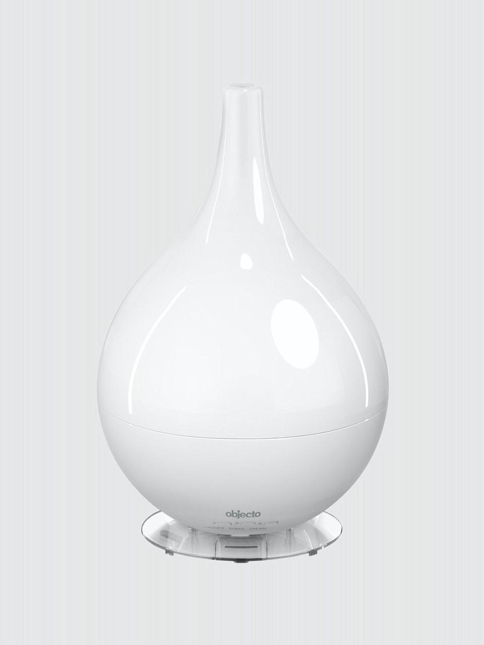"<h2>H3 Hybrid Humidifier</h2><br>This humidifier runs in two or four-hour sequences and automatically shuts off when the tank is empty. <br><br><strong>Objecto</strong> H3 Hybrid Humidifier, $, available at <a href=""https://go.skimresources.com/?id=30283X879131&url=https%3A%2F%2Ffave.co%2F30WjhZm"" rel=""nofollow noopener"" target=""_blank"" data-ylk=""slk:Verishop"" class=""link rapid-noclick-resp"">Verishop</a>"
