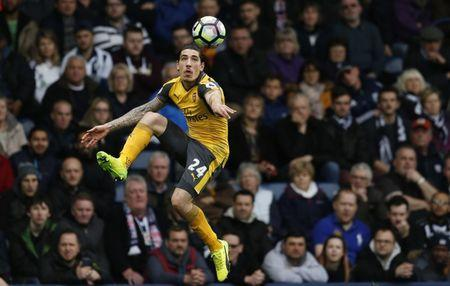 Britain Football Soccer - West Bromwich Albion v Arsenal - Premier League - The Hawthorns - 18/3/17 Arsenal's Hector Bellerin in action Action Images via Reuters / Andrew Boyers Livepic