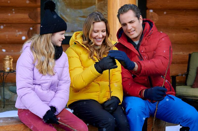 Jill Wagner and Victor Webster in Hearts of Winter | Farah Nosh/Crown Media United States LLC
