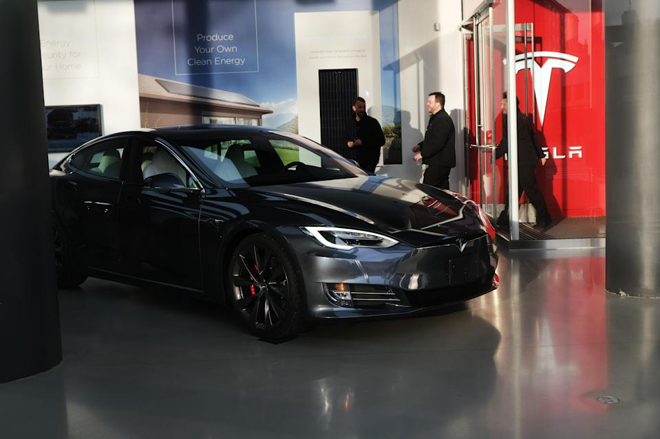 NEW YORK, NEW YORK - JANUARY 30: A Tesla vehicle is displayed in a Manhattan dealership on January 30, 2020 in New York City. (Photo by Spencer Platt/Getty Images)