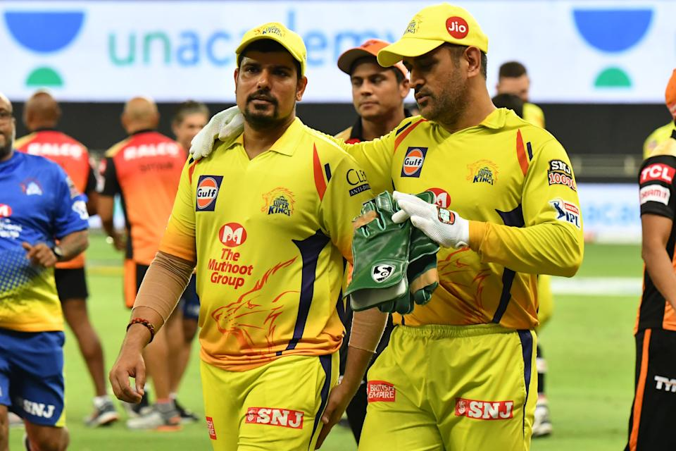 MS Dhoni was seen talking to Karn Sharma after CSK's 20-run win over SRH.