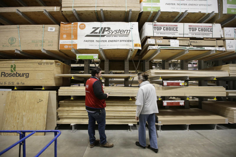 Lowe's earnings, sales beat Street