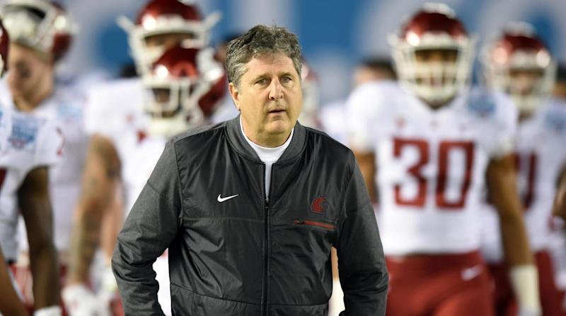 Yahoo Sports exclusive  WSU s Mike Leach called out Pac-12 officiating via  text after controversial USC game 620561bb3