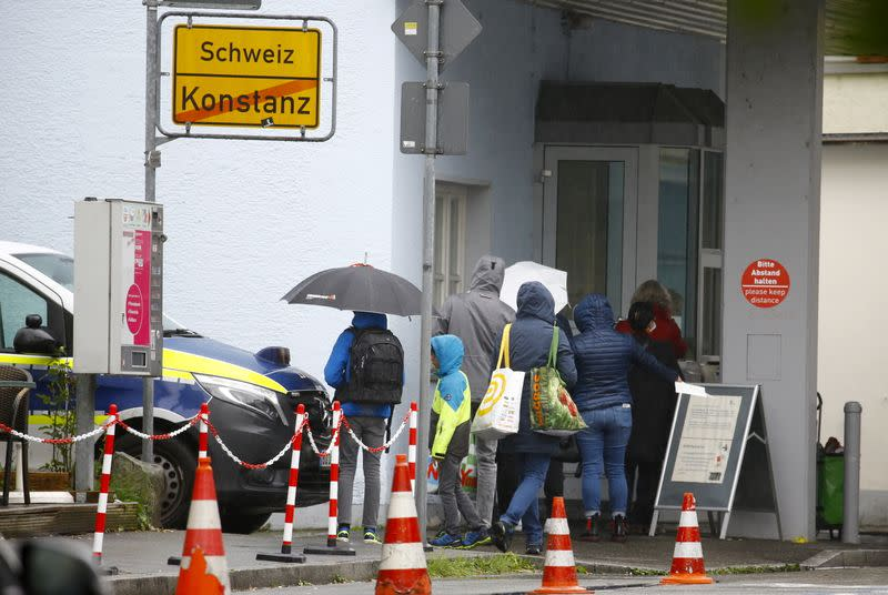 Germany's confirmed coronavirus cases rise by 7,830 to 348,557 - RKI