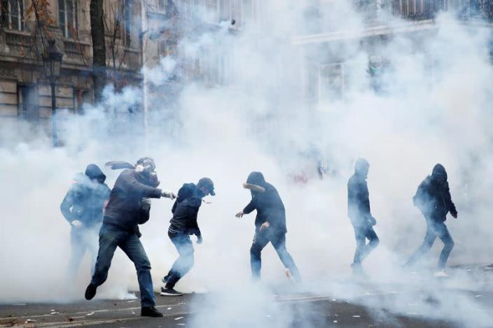 Nationwide strike in France against pensions reform plans