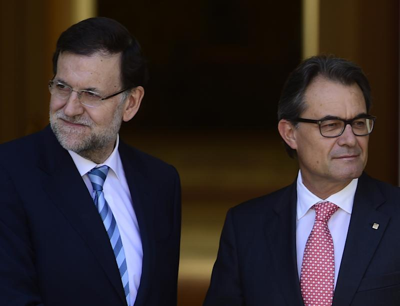 Spanish Prime Minister Mariano Rajoy (left) and Catalan regional leader Artur Mas held talks at the Moncloa Palace in Madrid, on July 30, 2014