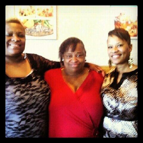 Venita Griffin, center, with her daughters Lawanda, left, and Erin. (Courtesy Erin Griffin)