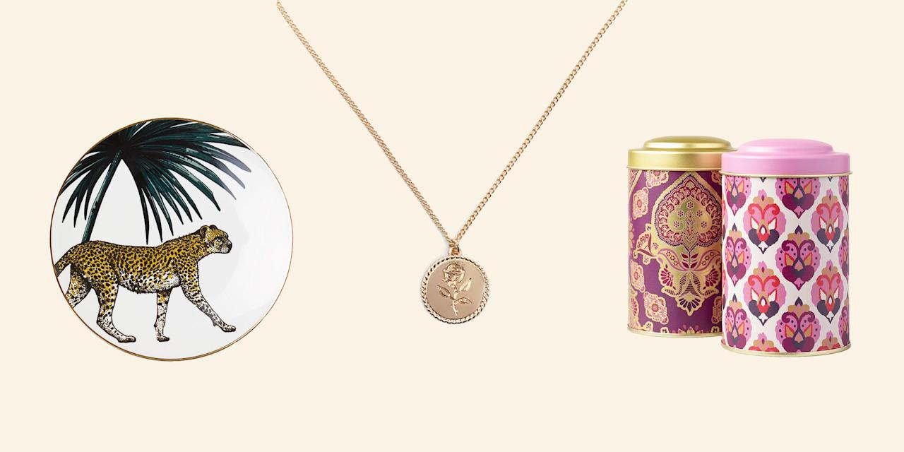 <p>Does the idea of looking at your bank account send you down a stressful spiral, reminding you of last week's round of $15 Who Do I Think I Am cocktails? Understandable. But don't let that effect your holiday spirit. Shop our roundup of gifts under $5 that look way fancier than they cost, here. </p>