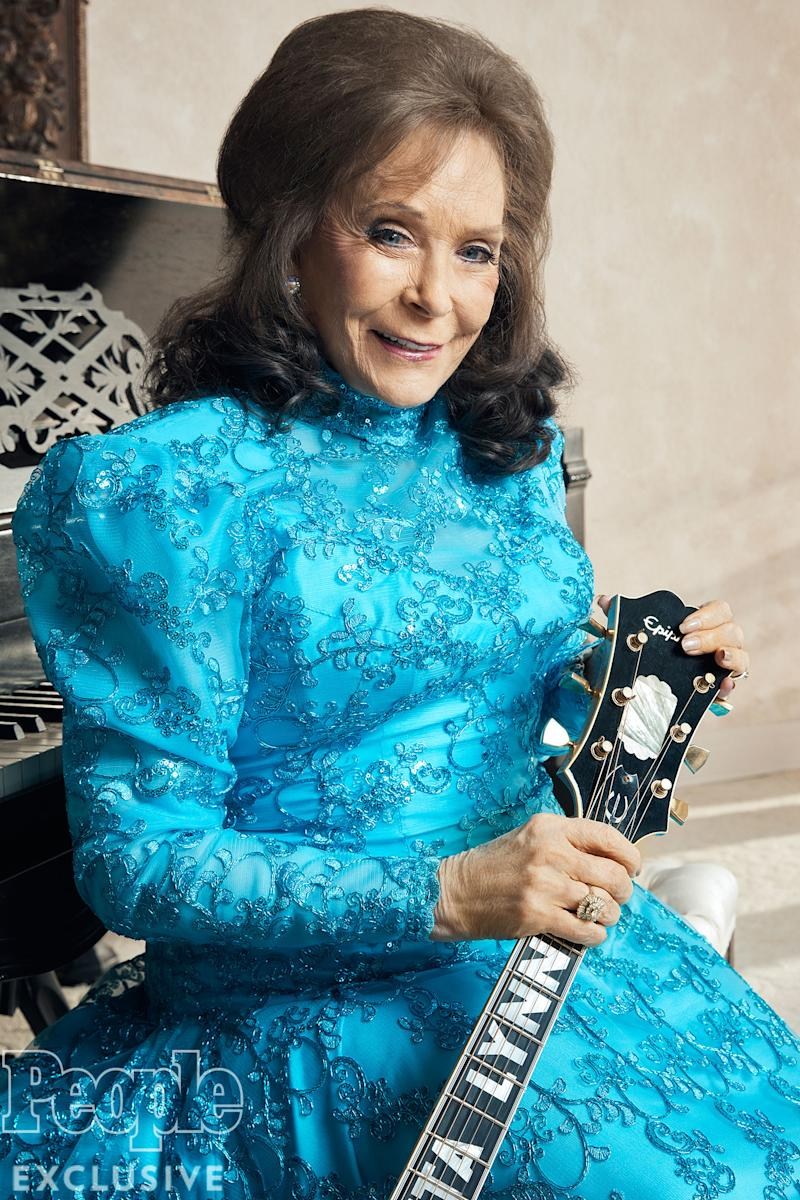 Loretta Lynn In 'Great Spirits' After Breaking Hip at Home — as Family Jokingly Blames New Puppy for Fall