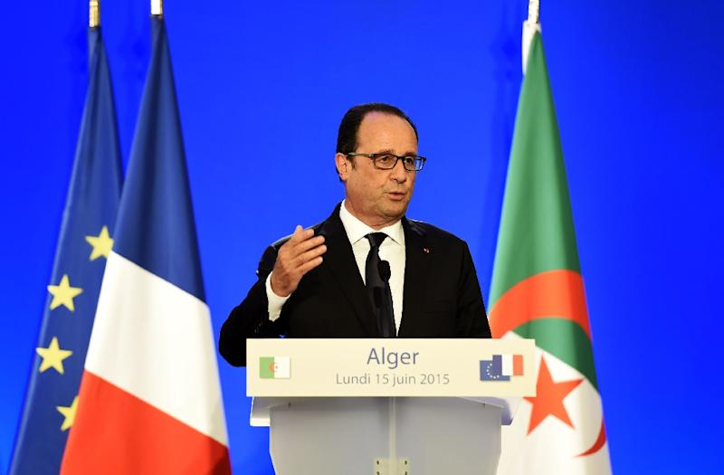 French President Francois Hollande give a press conference on June 15, 2015 in Algiers (AFP Photo/Farouk Batiche)