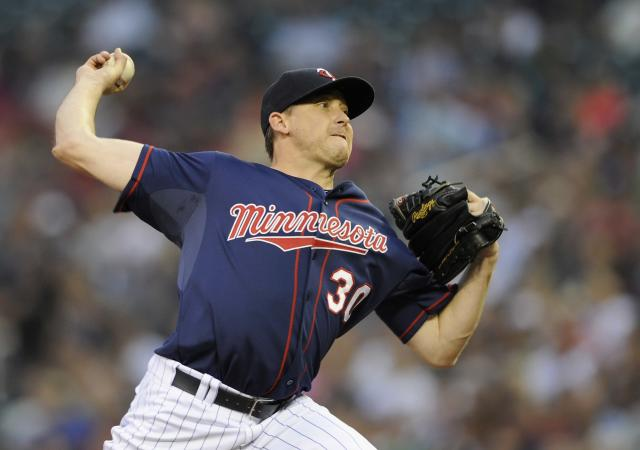 Dodgers add more pitching depth, acquire Kevin Correia from Twins