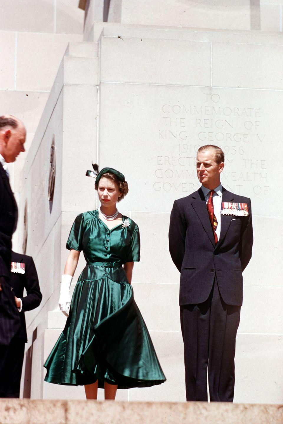 <p>During a royal tour of Australia, the queen and prince stood beneath the King George V Memorial located outside Old Parliament House. </p>