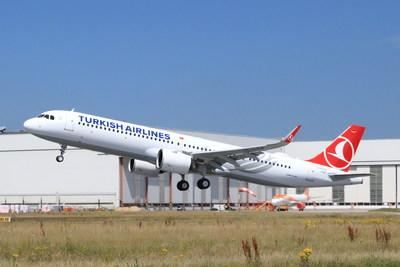 Pratt & Whitney and Turkish Airlines celebrate delivery of the airline's first Airbus A321neo aircraft in July, 2018.