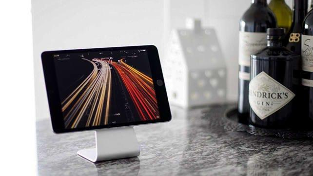 Best gifts for dads: Device Stand