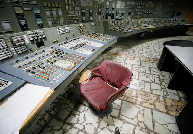 <p>A control centre of the stopped third reactor is seen at the Chernobyl nuclear power plant in Chernobyl, Ukraine, April 20, 2018. (Photo: Gleb Garanich/Reuters) </p>