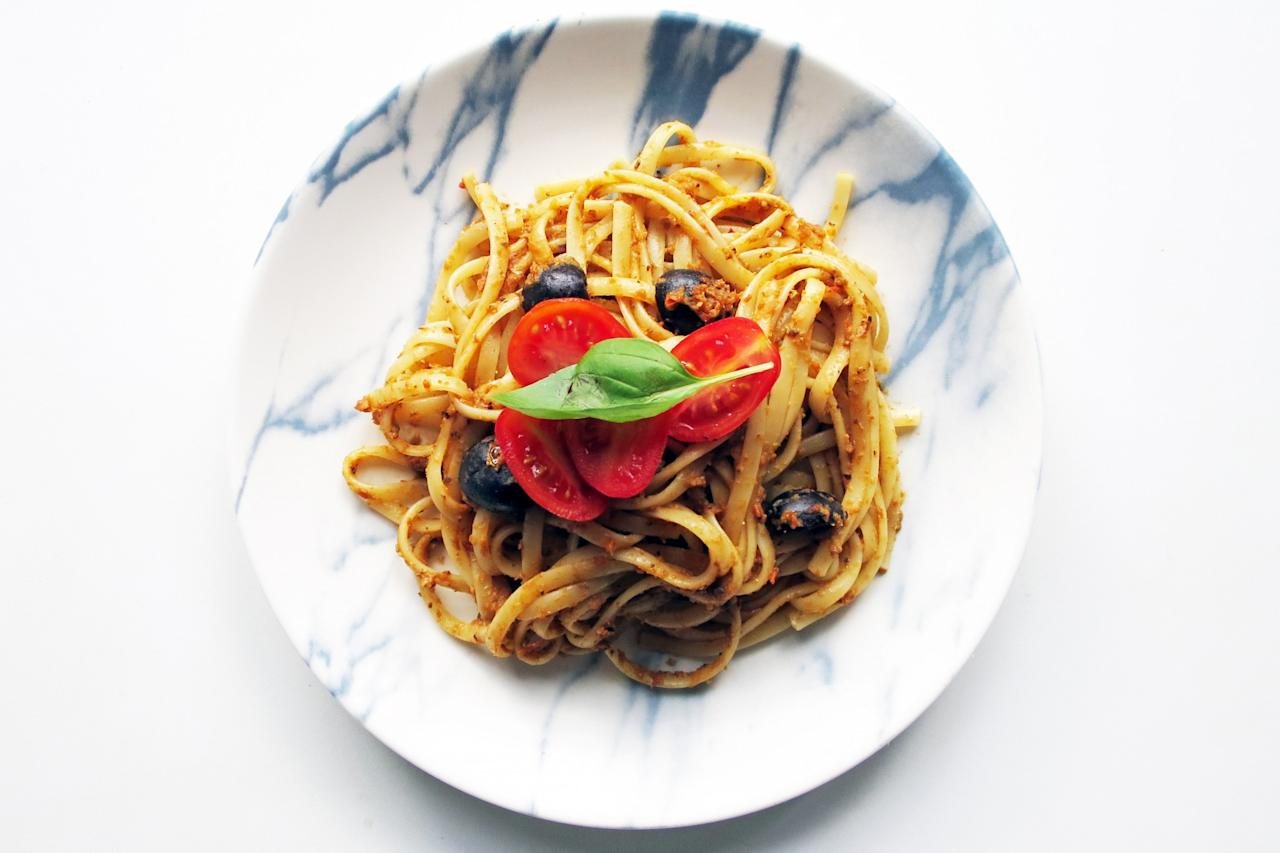 <p>Cook up a deliciously light pasta dish for dinner this spring using these three recipes. </p>