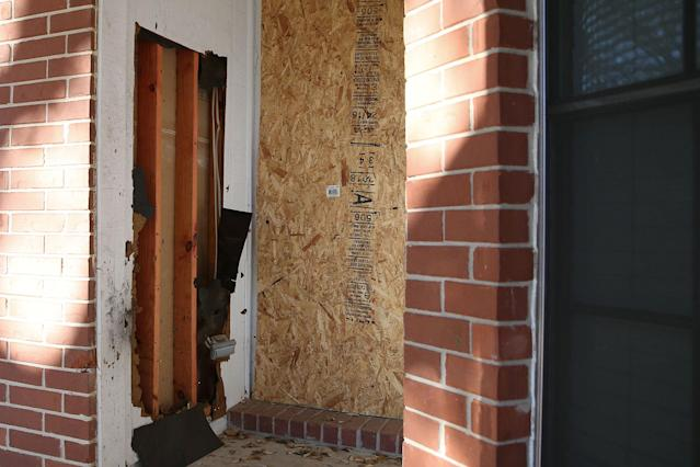 <p>Damage from a bomb blast that killed a man earlier in the month is pictured at the front porch of a home on Haverford Drive in Austin, Texas, March 20, 2018. (Photo: Loren Elliott/Reuters) </p>