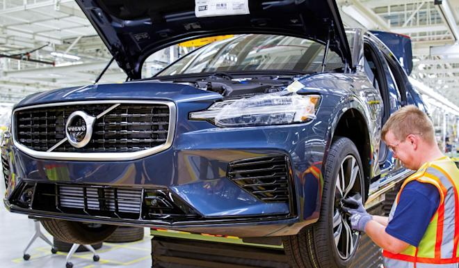An employee works on a S60 on the assembly line at the Chinese-owned Volvo Cars manufacturing plant in Ridgeville, South Carolina. Photo: Handout
