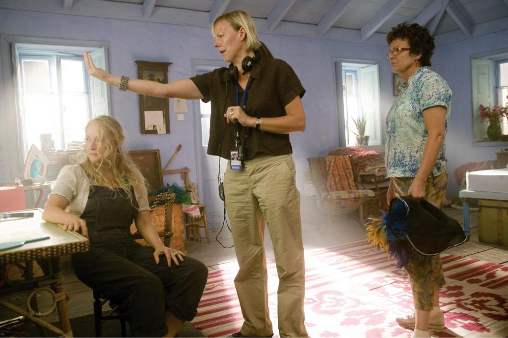 """<a href=""""http://movies.yahoo.com/movie/contributor/1800018835"""">Meryl Streep</a>, director <a href=""""http://movies.yahoo.com/movie/contributor/1809561724"""">Phyllida Lloyd</a> and <a href=""""http://movies.yahoo.com/movie/contributor/1800042727"""">Julie Walters</a> on the set of Universal Pictures' <a href=""""http://movies.yahoo.com/movie/1809902249/info"""">Mamma Mia!</a> - 2008"""