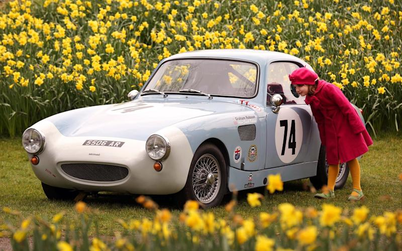 The Members' Meeting traditionally takes place as daffodils begin to flower in England - this year's snow didn't deter the racers - Oliver Dixon