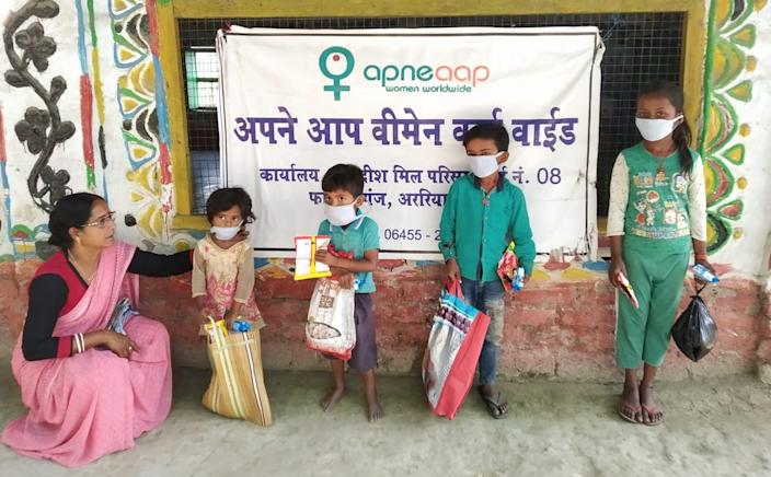 The 1MillionMeals programme helps underprivileged women and children who are deprived of food and essentials.  (Picture courtesy: 1millionmeals.org)