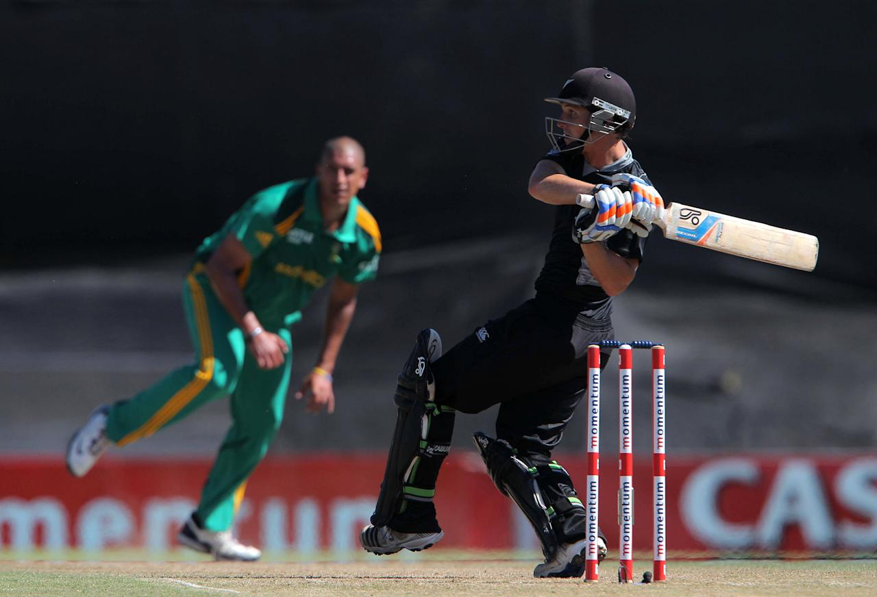 PAARL, SOUTH AFRICA - JANUARY 19: BJ Watling of New Zealand bats during the 1st One Day International match between South Africa and New Zealand at Boland Park on January 19, 2013 in Paarl, South Africa.  (Photo by Carl Fourie/Gallo Images/Getty Images)
