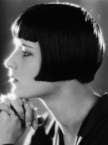"<div class=""caption-credit""> Photo by: John Kobal Foundation/Getty</div><div class=""caption-title"">Louise Brooks</div>Louise Brooks embodied daring flapper style in the 1920s. Her dramatic angled bob with bangs looks as fresh today as it did then. Straight hair works best for a sleek bob like Louise's, but wavy and even curly hair will work for longer, more free-flowing bobs. Plus, a swingy bob will flatter all face shapes."