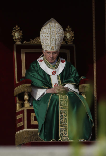 Pope Benedict XVI leads a Mass for the opening of the synod of bishops in St. Peter square at the Vatican, Sunday, Oct. 7, 2012. (AP Photo/Alessandra Tarantino)