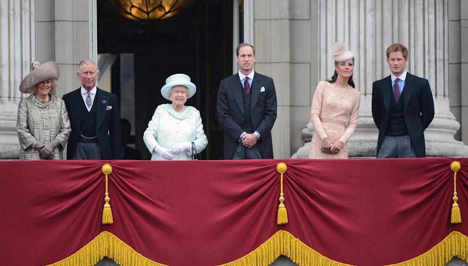 LONDON - JUNE 05:  Camilla, Duchess of Cornwall, Prince Charles, Prince of Wales, Queen Elizabeth ll, Prince William, Duke of Cambridge, Catherine, Duchess of Cambridge and Prince Harry stand on the balcony of Buckingham Palace following the diamond Jubilee Procession on June 5, 2012 in London, England. (Photo by Anwar Hussein/WireImage)