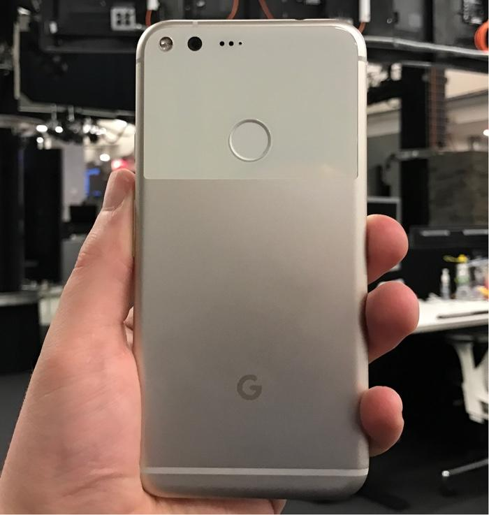 Pixel XL rear fingerprint reader