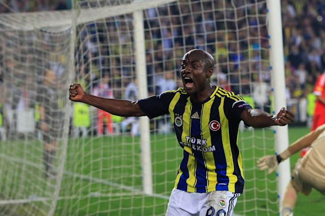 Fenerbahce's Joseph Yobo celebrates his team's goal during an UEFA Europa League semi-final football match between Fenerbahce and Benfica at Sukru Saracoglu stadium on April 25, 2013 in Istanbul. AFP PHOTO/MIRAMIRA/AFP/Getty Images