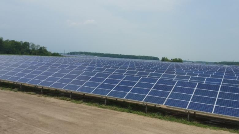 Alberta urged to require licensed land agents as wind and solar boom takes off
