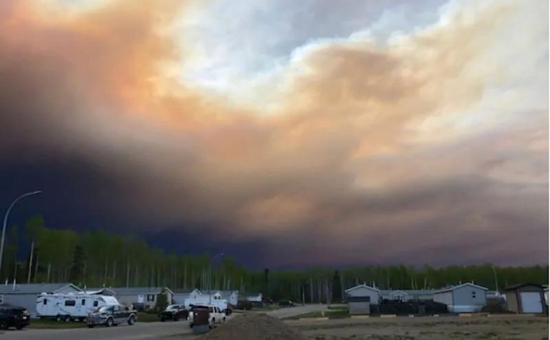 The wildfire near the northern Alberta town of High Level has been burning since May 12. (Deb Stecyk/CBC News)