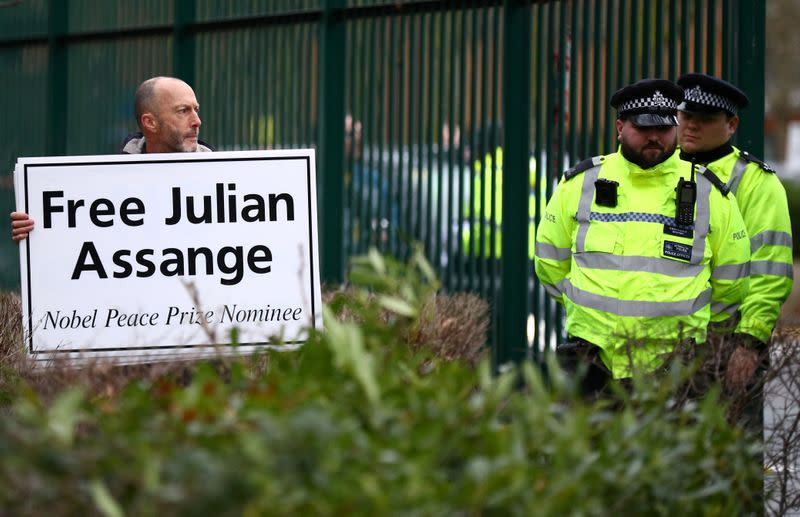 Hearing to decide whether Julian Assange should be extradited to the United States, in London