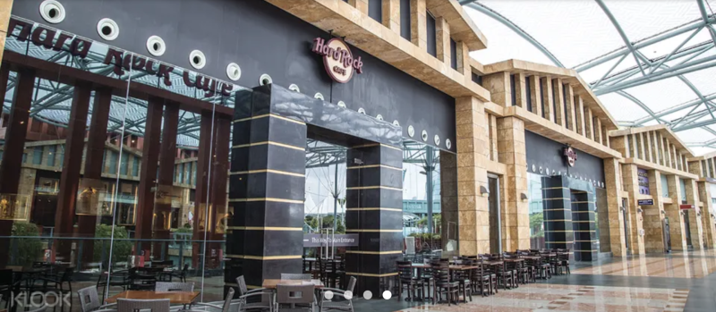 Hard Rock Cafe in Singapore, National Day Celebration Combo Meal (2 pax), S$55 (was S$89.85). PHOTO: Klook