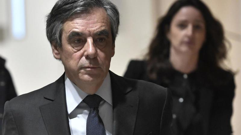 Affaire Fillon: Emmanuel Macron saisit le Conseil de la magistrature