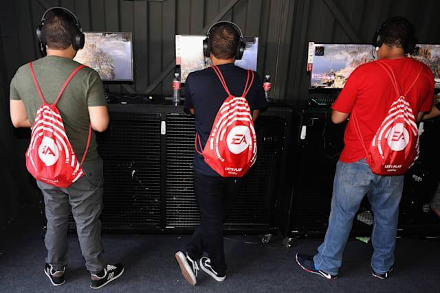 """LOS ANGELES, CALIFORNIA - JUNE 08: Game enthusiasts and industry play """"Apex Legends"""" during the EA Play 2019 event at the Hollywood Palladium on June 08, 2019 in Los Angeles, California. (Photo by Christian Petersen/Getty Images)"""