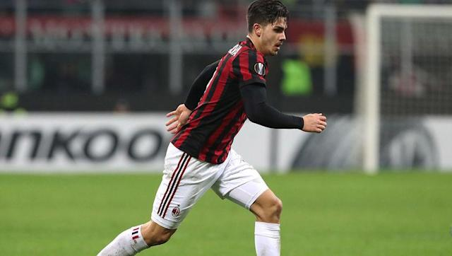 <p>Andres Silva joined Milan from Porto in the summer in a deal worth a reported £34m. Since his move to San Siro, the 22-year-old has struggled to really get going in the Serie A having started just five games.</p> <br><p>Nevertheless, it seems to be a different story in the Europa League where the Portuguese international has bagged six goals in seven appearances. Like Suso, Silva's main attributes are his pace and dribbling skills. </p>