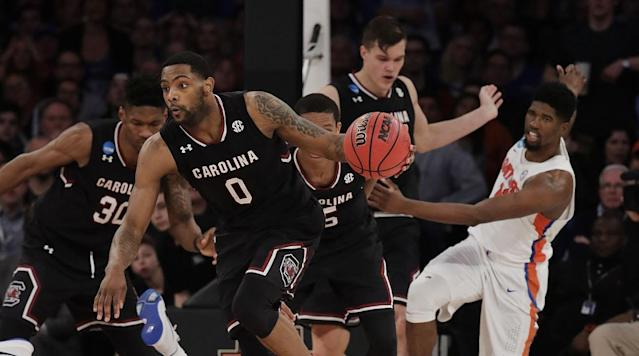 The 201617 college basketball season concludes Monday with a matchup of two heavyweights as North Carollina takes on Gonzago for the national championship.