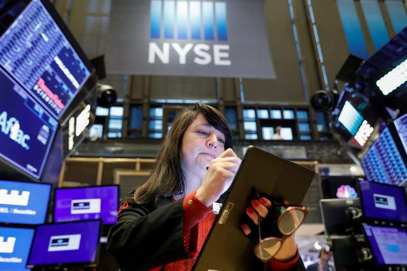 Stocks rally on preliminary U.S.-China trade deal, oil rises