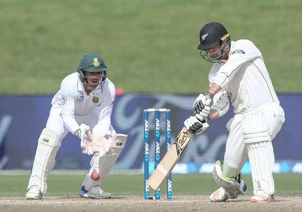 HAMILTON, NEW ZEALAND - MARCH 28: Colin de Grandhomme of New Zealand bats during day four of the Test match between New Zealand and South Africa at Seddon Park on March 28, 2017 in Hamilton, New Zealand. (Photo by Dave Rowland/Getty Images)