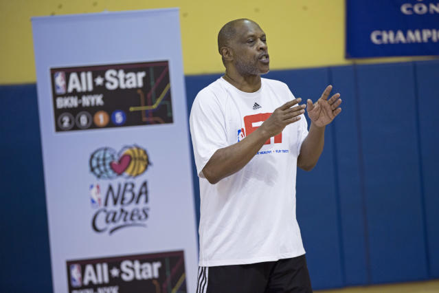 Former NBA player Tiny Archibald hosts an NBA Fit clinic in New York in 2015. (Getty Images)