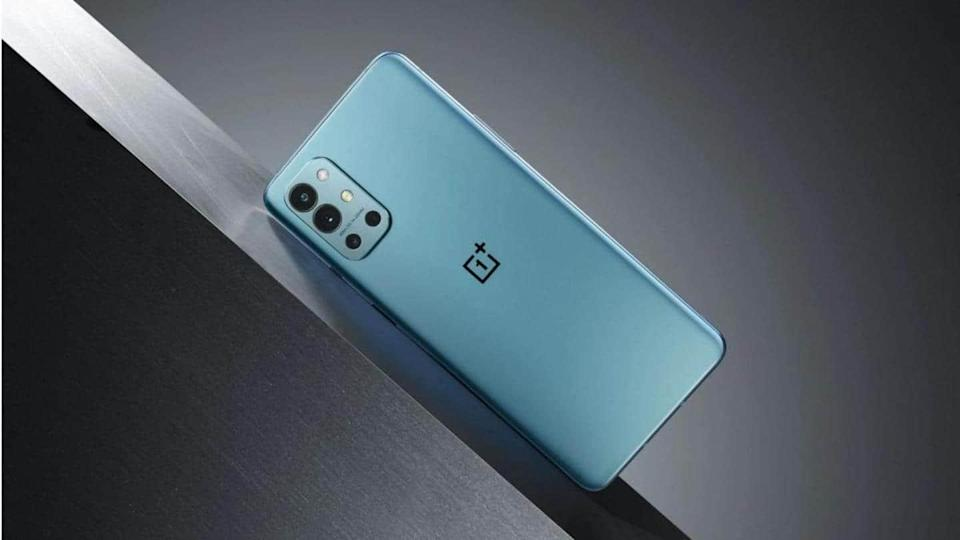 OnePlus releases OxygenOS 11.2.1.2 update for 9R model in India