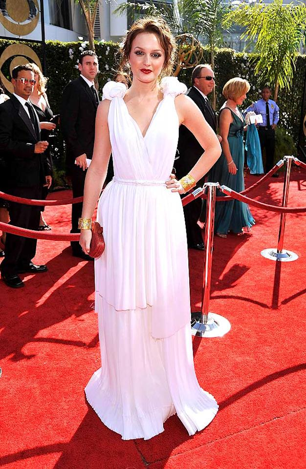 Leighton Meester arrives at the 61st Primetime Emmy Awards held at the Nokia Theatre on September 20, 2009, in Los Angeles.
