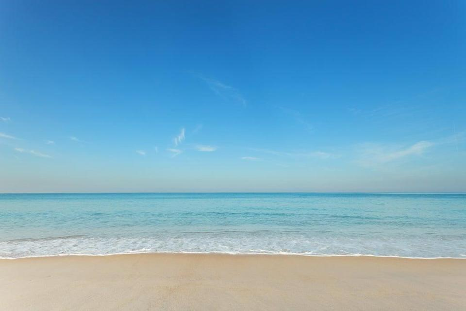 Views of the sea and sky can improve body image, accoding to new study (Getty Images/iStockphoto)