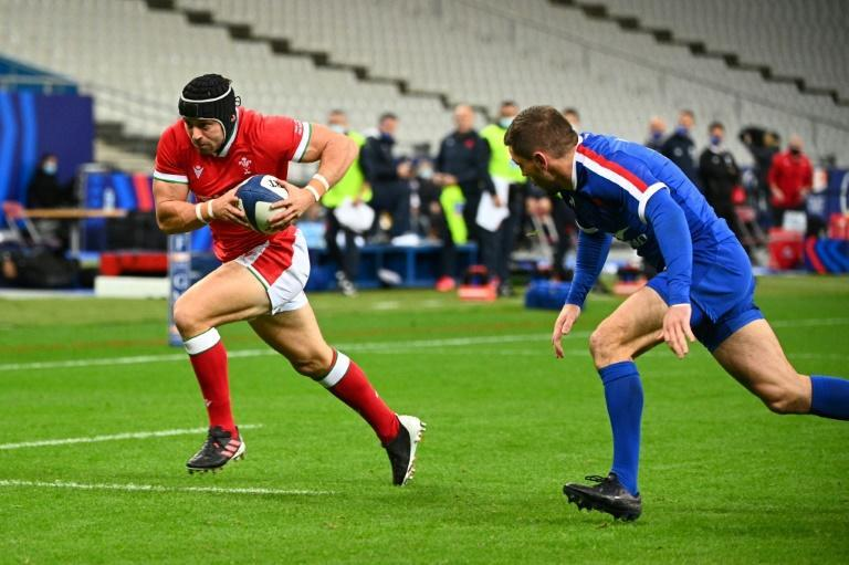 Leigh Halfpenny scored Wales' first try in Saturday's loss at France