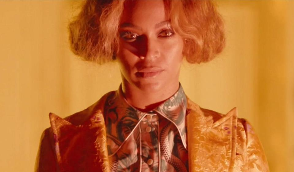 <p>While we'd love to see Bey go super short, this pinned-up bob is all we get for now. The look was completed by Bey's Bowie-esque jacket. Those lapels will cut through all your nonsense.<br></p>
