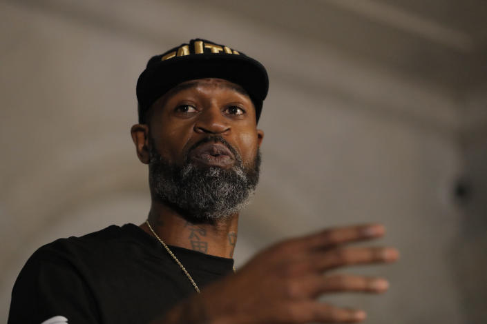 Stephen Jackson denounced Hitler, promoted an anti-Semitic trope and said that he follows Louis Farrakhan. (AP Photo/Julio Cortez)